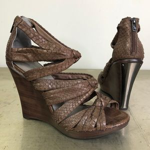 Kenneth Cole Why Knot Snake Wood Wedge